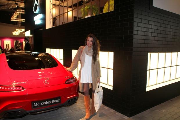 Exposición Mercedes Benz como patrocinador